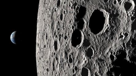Spektakularny widok na niewidoczną z Ziemi stronę Księżyca z misji Apollo 13 (film)