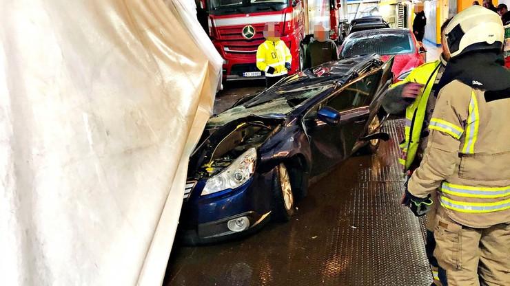 Polski tir zmiażdżył auto na norweskim promie