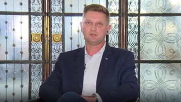 """""""Turbohomofob"""". Poseł Lewicy o Przemysławie Czarnku i """"ideologii PiS"""""""