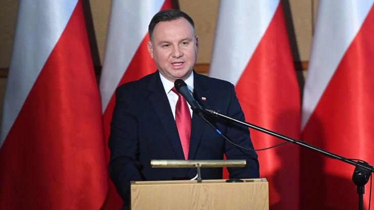 Polacy pozytywnie o prezydencie, negatywnie o Sejmie