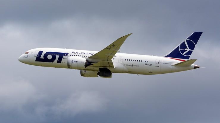 Dreamliner LOT-u musiał nagle lądować na Islandii. Pasażerowie trafili do hotelu