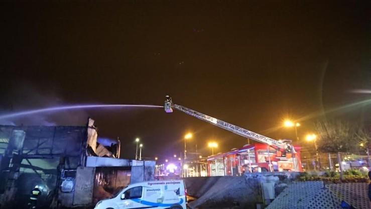 Na miejscu pracowało ponad 80 strażaków z 25 zastępów PSP i OSP