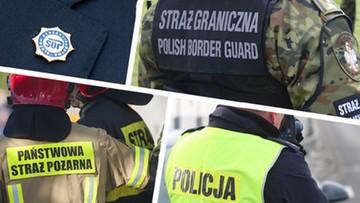 """Spore zmiany w policji i innych służbach. Rząd przyjął ustawę o dodatkach dla """"mundurówki"""""""