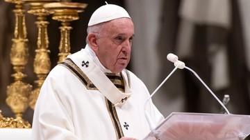 """""""Nie czekajmy, aż bliźni stanie się świetny, a Kościół doskonały"""". Papież na pasterce w Watykanie"""
