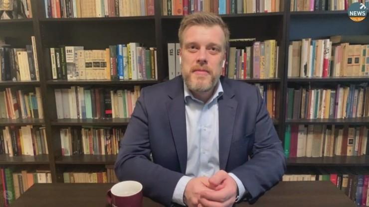 Zandberg: wspomnienie o Powstaniu zastępuje rozkrzyczany nacjonalista palący tęczową flagę