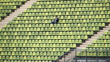 Więcej kibiców na stadionach już od soboty