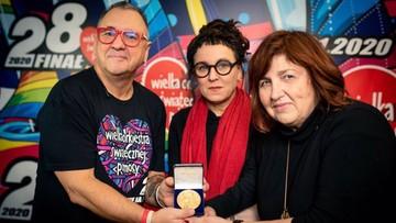 Tokarczuk gra z WOŚP. Kilkadziesiąt tysięcy za replikę Medalu Noblowskiego