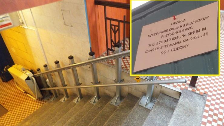 """Platforma dla niepełnosprawnych na stacji. """"Czas oczekiwania na obsługę do 1 godziny"""""""