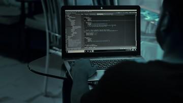 Atak hakerski na e-dziennik. Policja zatrzymała kilku nastolatków