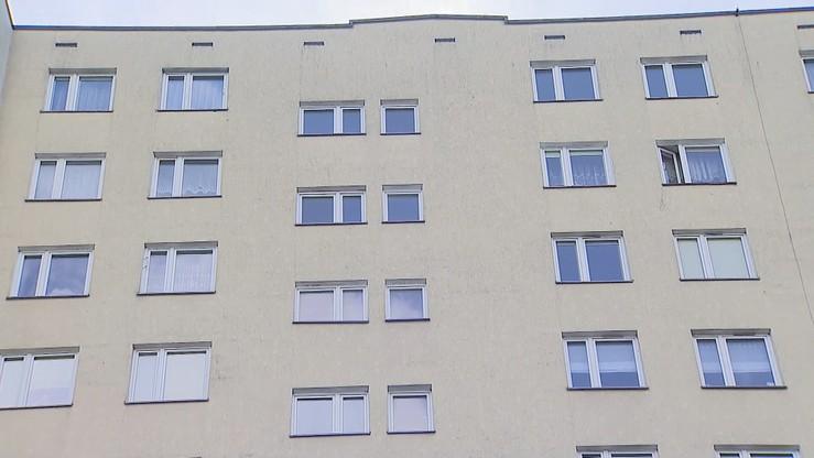 """Czterolatek wypadł z 11. piętra.  """"Jest w stanie dość dobrym"""""""