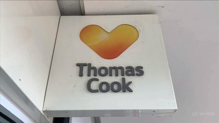 """Były prezes Thomasa Cooka przesłuchiwany. """"Wierzyłem w firmę"""""""