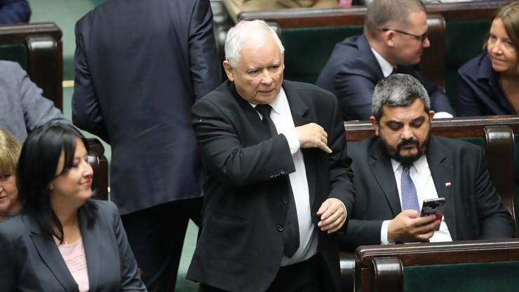 """Konsekwencje dla posłów klubu PiS przeciwnych """"piątce dla zwierząt"""". Zbiorą się władze partii"""