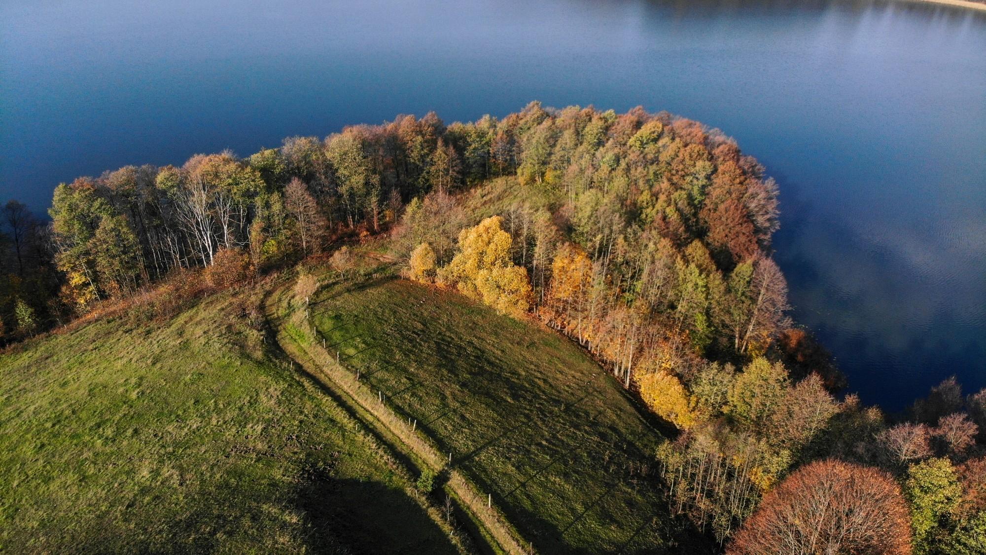 Jesień na nizinach z lotu ptaka - zdjęcie 3
