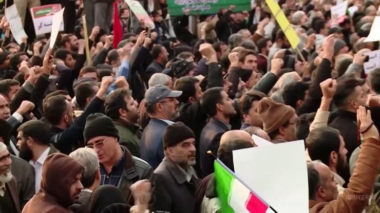 Iran: 200 000 osób wzięło udział w antyrządowych demonstracjach, największych od 40 lat