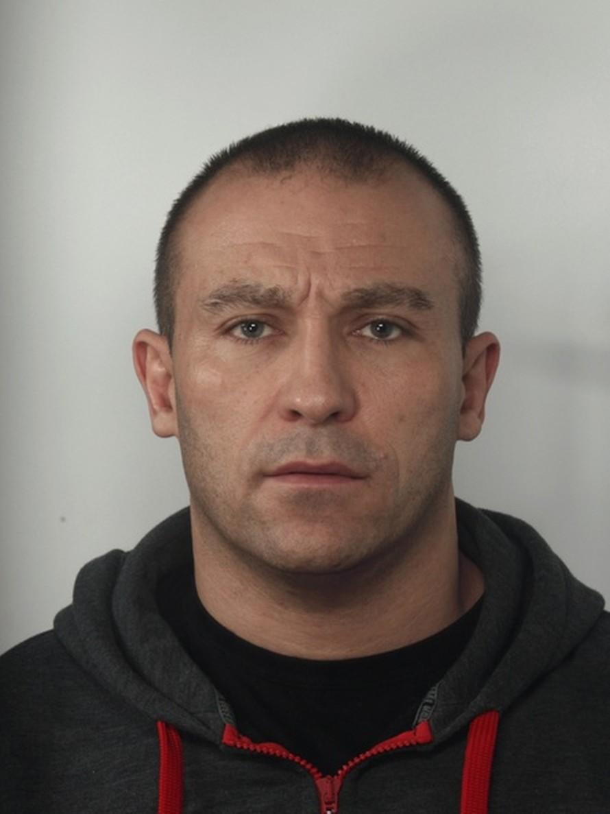 Poszukiwany 42-letni mężczyzna zameldowany jest w Poznaniu przy ul. Biskupińskiej