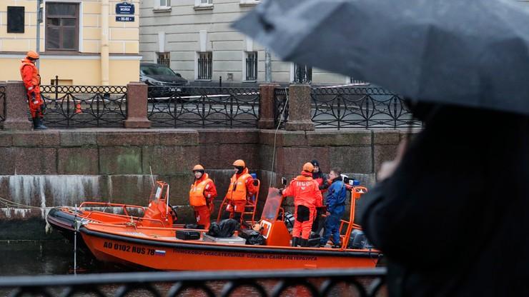 Makabra w Petersburgu. Profesor wyłowiony z rzeki z odciętymi rękami młodej kobiety