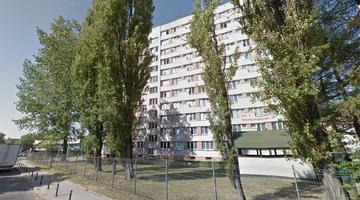 Ukrainiec zaatakowany nożem przed akademikiem. Policja zatrzymała jego dwóch rodaków