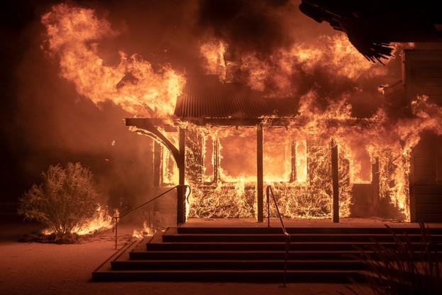 Pożar budynku winiarni w Kalifornii.