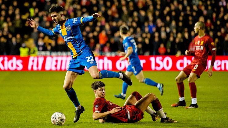 Puchar Anglii: Kibice Shrewsbury na meczu z Liverpoolem ze szwedzkimi flagami