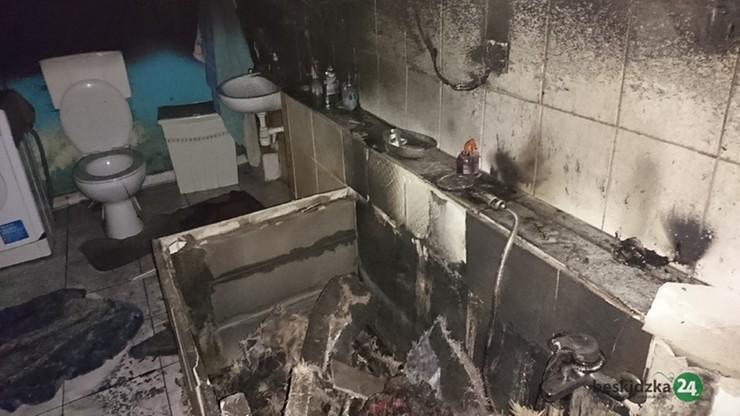 W łazience przelewał paliwo do piły i palił papierosa. Pożar zniszczył pomieszczenie