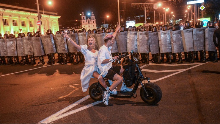 """UE potępia przemoc na Białorusi. """"Nie ma miejsca na prześladowanie"""""""