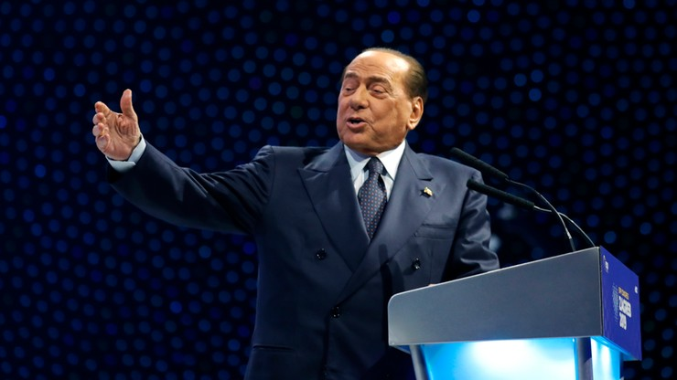 Berlusconi upadł podczas zjazdu EPL. Kilka dni spędzi w szpitalu