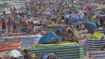 Tłumy na plażach i w górach. Polacy zapomnieli o społecznym dystansie