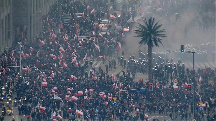 """Марш незалежності.  Зіткнення з поліцією, """"кілька постраждалих офіцерів"""""""
