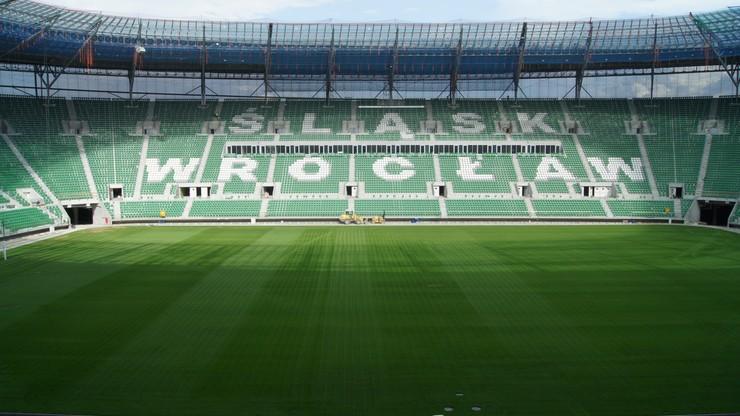 Wybory rektora uniwersytetu... na stadionie piłkarskim