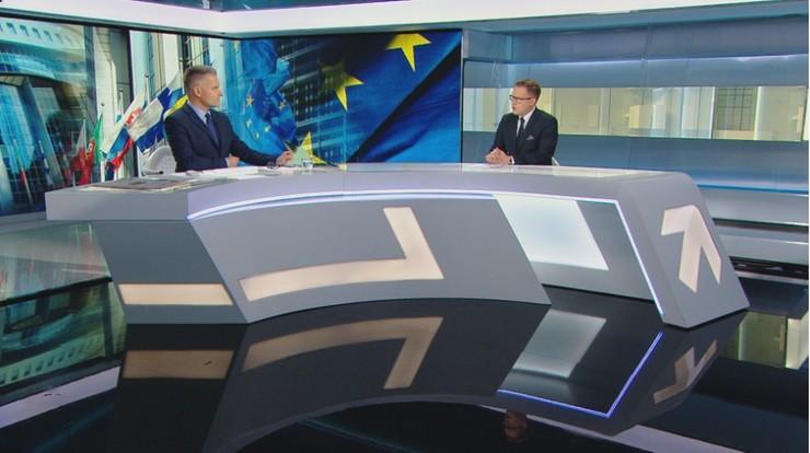 """Budżet UE. """"Premier unika tematu praworządności. Twierdzi, że poradziliśmy sobie świetnie"""""""
