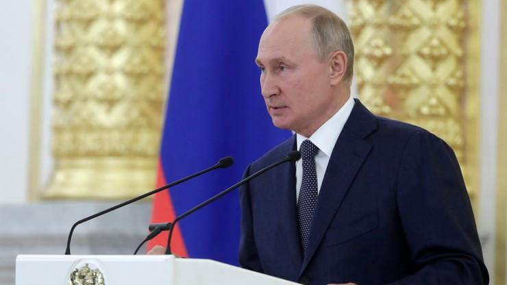 """""""Nawalny mógł otruć się sam"""". """"Le Monde"""" ujawnia szczegóły rozmowy Putin-Macron"""