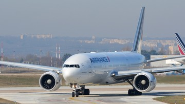 Zwłoki pasażera na gapę w komorze podwozia samolotu Air France. Media: to 10-letnie dziecko