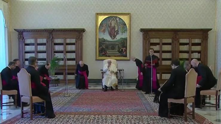Papież odsunął hierarchę. Nie czekał na koniec postępowania wobec biskupa Janiaka