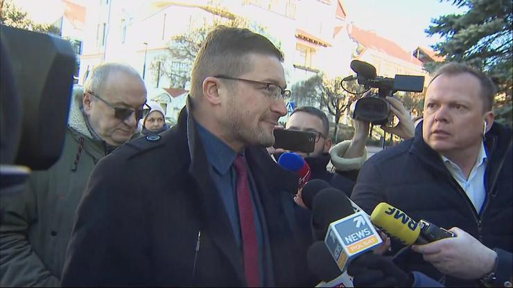 Zawieszony sędzia Juszczyszyn przyszedł do sądu. Jego sprawa spadła z wokandy