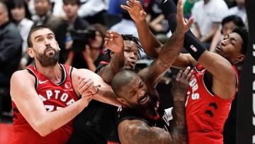 NBA: Mistrzowie przegrali w Toronto przez Rockets