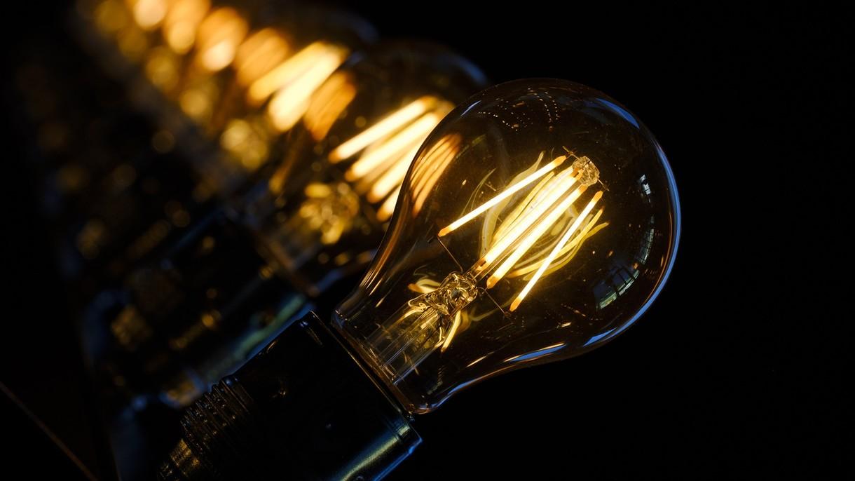 Nadchodzą podwyżki prądu. Dla przedsiębiorców nawet 40%. Powód, ekologia!