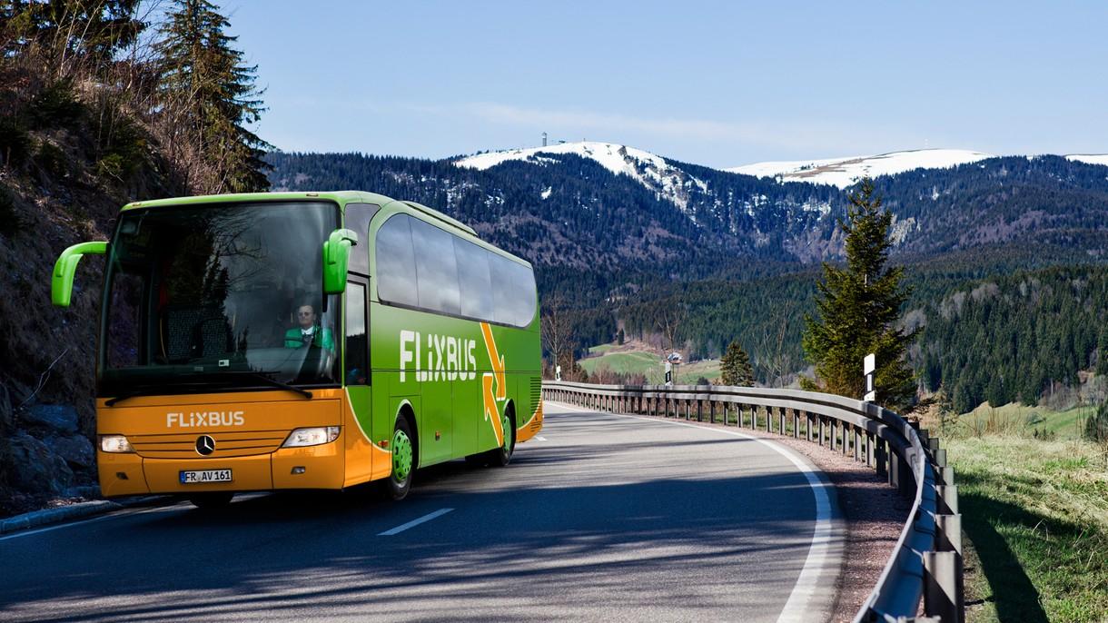 FlixBus znowu stawia na ekologię. Ruszają testy paneli słonecznych na autobusach