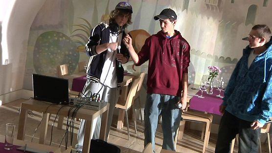 Koncert hiphopowy w winiarni