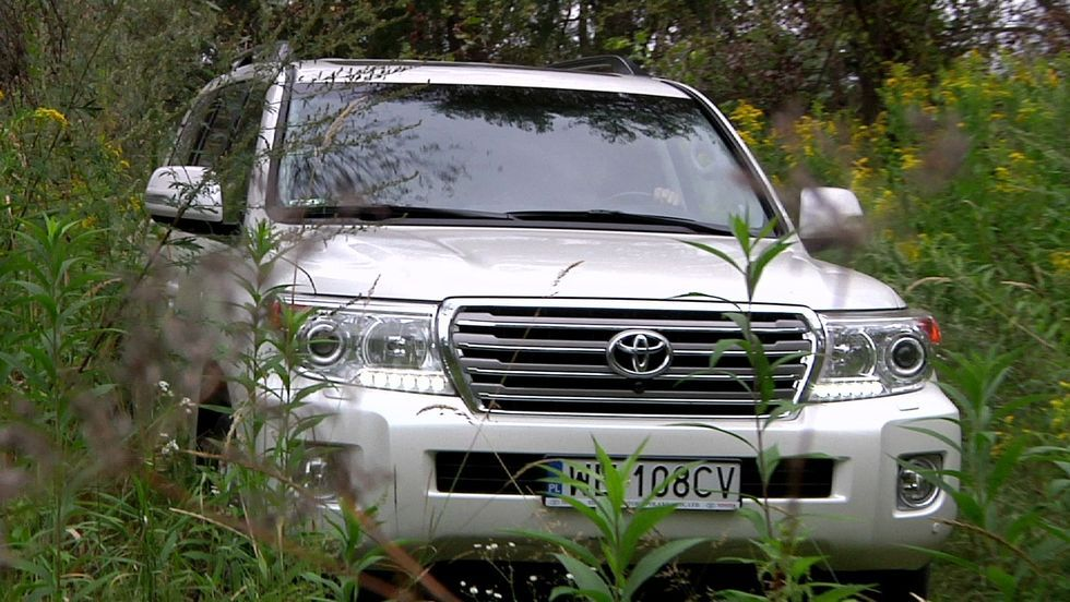 Toyota Land Cruiser V8 - duży może więcej