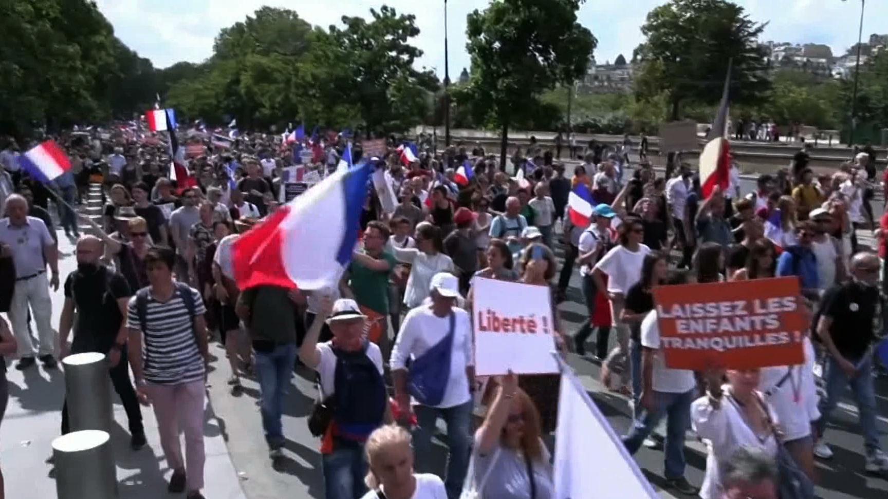 Obostrzenia tylko dla niezaszczepionych? Francuzi protestują przeciwko takiemu rozwiązaniu