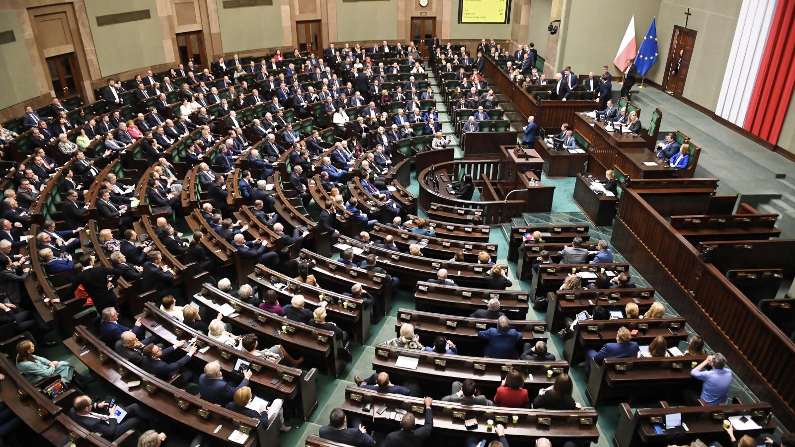 Sejm przyjął specustawę w sprawie koronawirusa
