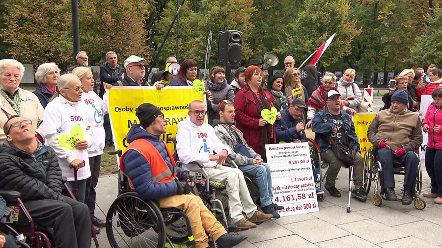 """25.09.2019   """"To jest walka o nasze prawa"""". Niepełnosprawni znów protestowali"""